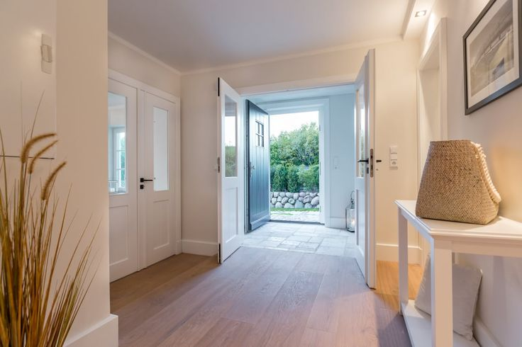 Your entrance hallway is the first impression that your home…