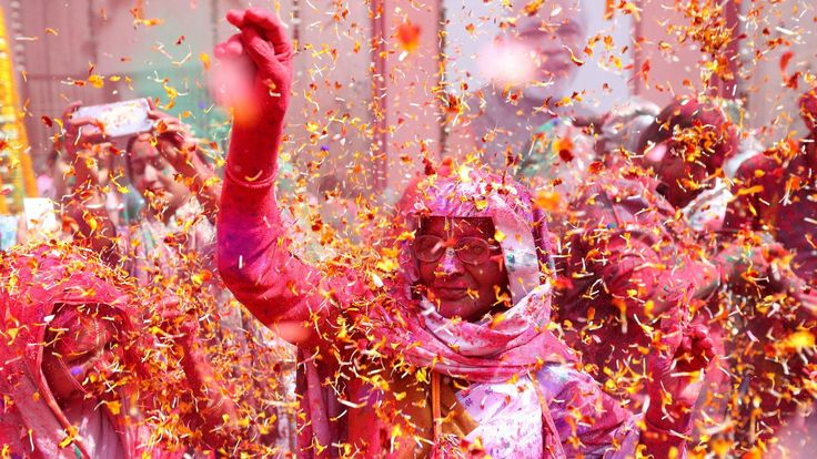 Breaking news: India is bursting into a thick plume of colours today!