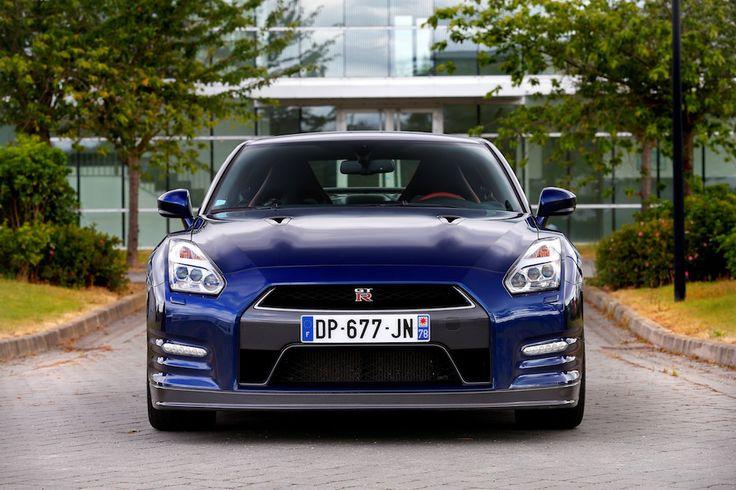 Nissan GT-R 2015 : 94 200€ pour ce monstre de puissance - http://www.leshommesmodernes.com/nissan-gt-r-2015-94-200-e/