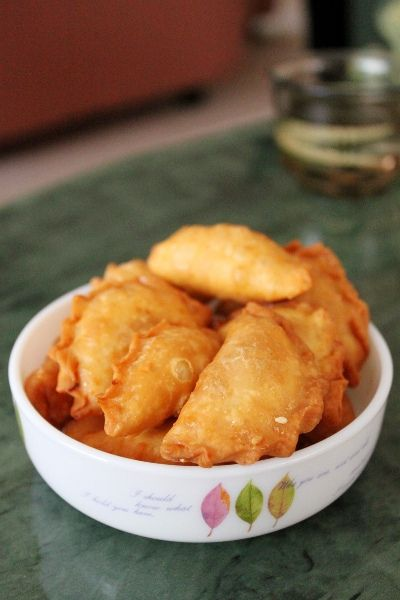 Recipe: Chinese New Year Crispy Triangles (角仔) These sound so good!