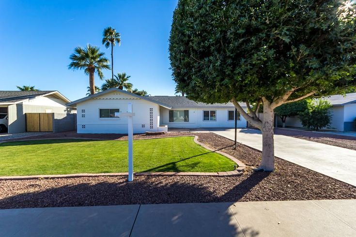 New Listing in Old Litchfield Park!!   Start your home search at www.davemeza.com