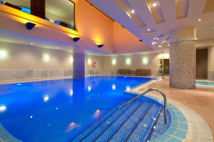 Piscina cubierta de Fuerte Conil-Costa Luz | Indoor swimming pool | #Spain #holiday