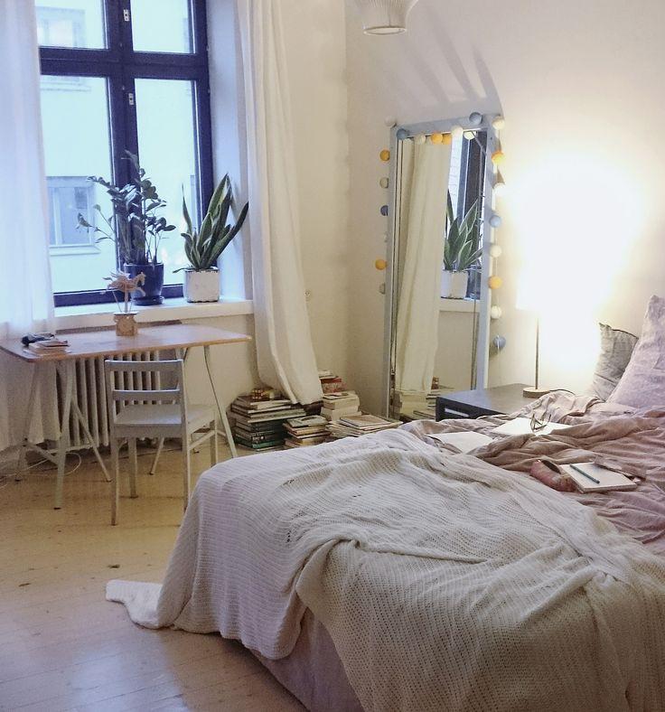 bedroom / by Ulla Thynell