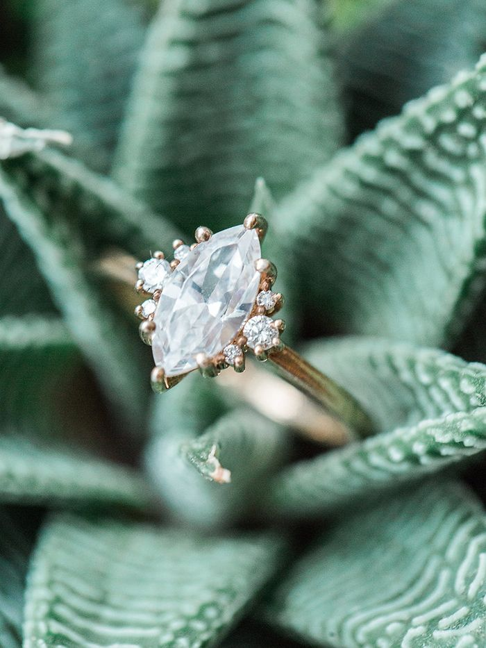 Vintage Diamond Ring in Antique Gold