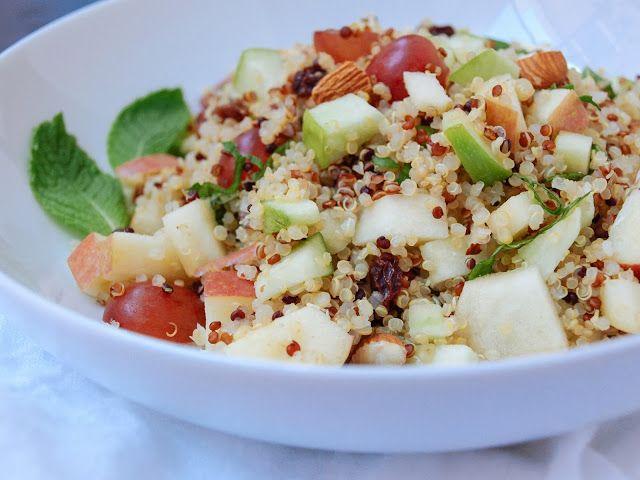 quinoasalade met appels, druiven, selder + zoete tahindressing