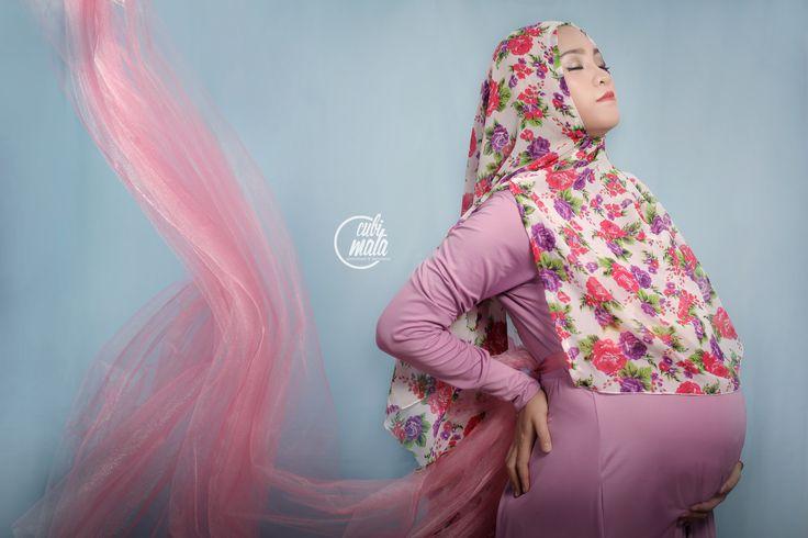 Hijab Maternity Photoshoot