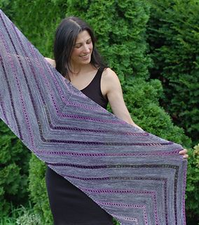 Passaggio Shawl pattern in Ravelry by Mary Annarella #LyricalKnits
