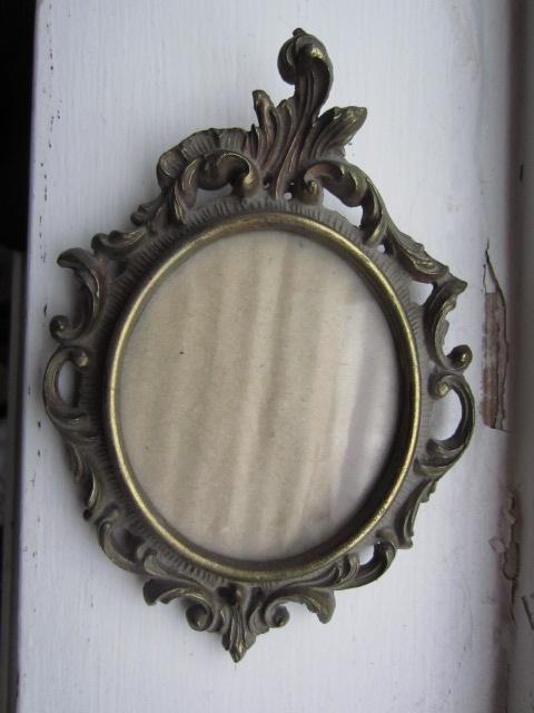 Frames - small vintage frame