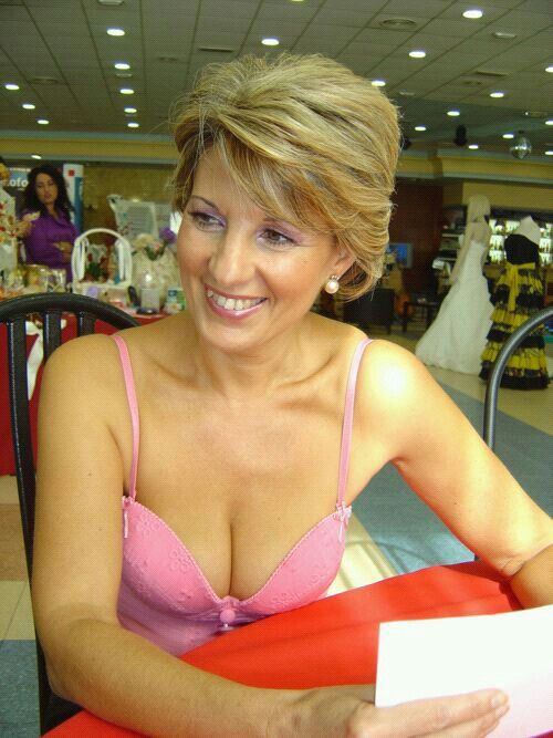 wolflake mature women personals Mature russian women - browse 1000s of russian dating profiles for free at russiancupidcom by joining today - page 2.