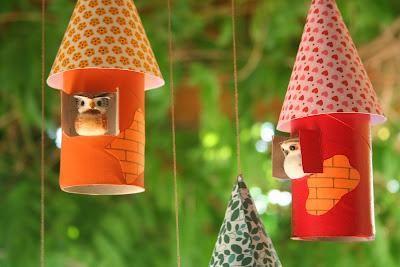 Casetta uccellini con tubi carta igienica