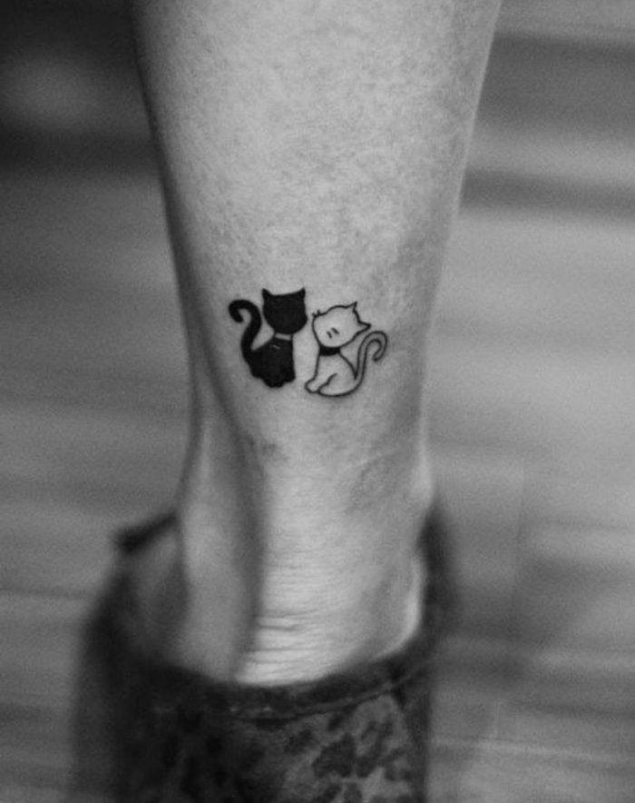 1001 ideen zum thema katzen tattoo aus denen sie eine inspiration sch pfen k nnten wei e. Black Bedroom Furniture Sets. Home Design Ideas