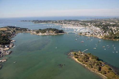 Faire du bateau à moteur à Saint-Philibert,Bretagne, c'est possible ici! http://bit.ly/1sGWp78