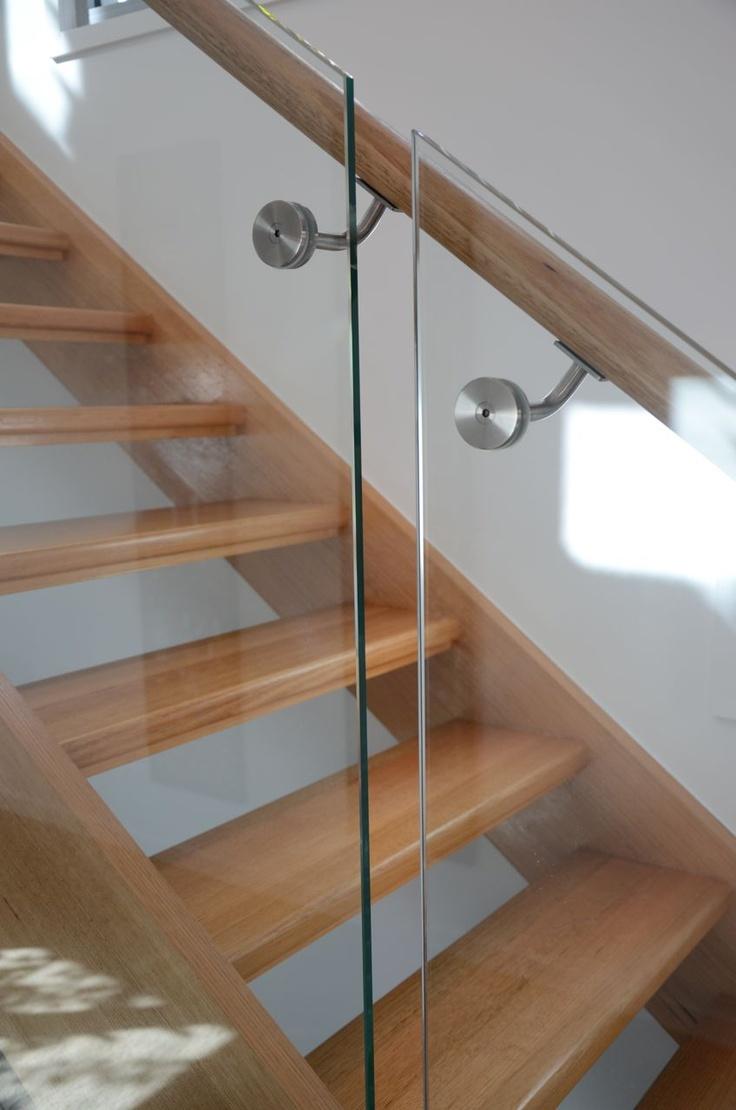 7hills house brisbane stairs glass balustrade. Black Bedroom Furniture Sets. Home Design Ideas