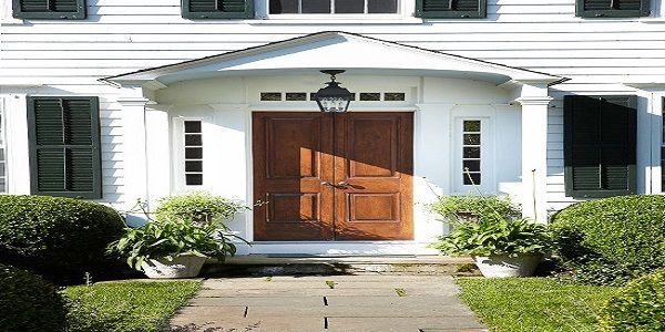 Exterior Home Design with Front Entry Lighting
