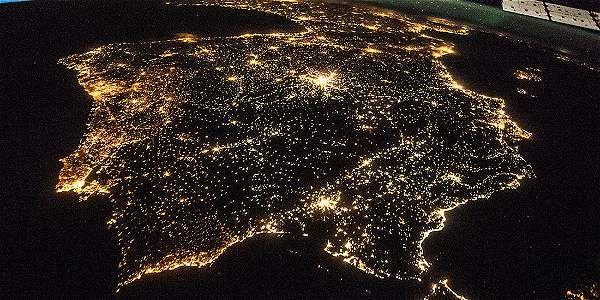 Desde el espacio buscan sitios del mundo con más contaminación de luz