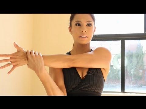 Arm Workouts for Sagging & Creepy Skin : Fab Fitness. Dunno how well it works on sagging skin much yet but, it is does give a nice stretched feeling, especially for a pre-tricep weight cycle! :)