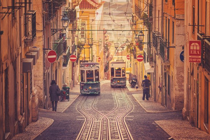 Lisbon, Portugal | Discovered from Dream Afar New Tab
