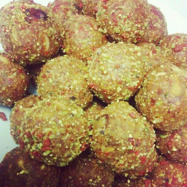 Feels like Christmas @wildandfree_inc bliss balls #pistachio #almonds #dates #figs #coconut #goji #vegan #protein #wild #free #raw #paleo #wildandfreeinc
