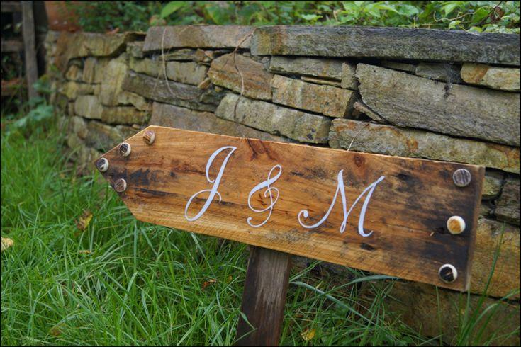 Scheunenhochzeit, Vintage Wedding, Vintage-Buchstaben, Wegweiser selber machen, Vintage Wegweiser, vintage arrow, DIY-Hochzeit