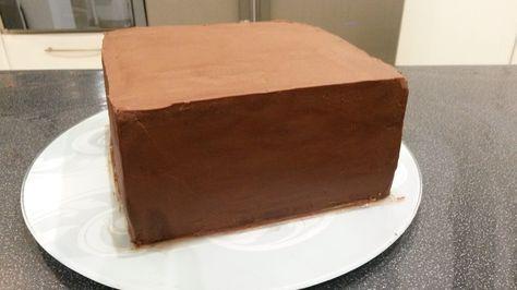 J'en avais marre de courir après les différentes recettes de ganaches, vous en trouverez ici quelques unes. Ganache au chocolat noir 200 g de chocolat noir de pâtissier 20 cl de crème liquide 30% 20 g de beurre Faire bouillir la crème, verser sur le chocolat...