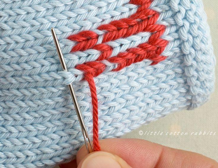 Duplicate stitch tutorial from Little Cotton Rabbits. ★•★•Teresa Restegui http://www.pinterest.com/teretegui/★•★•