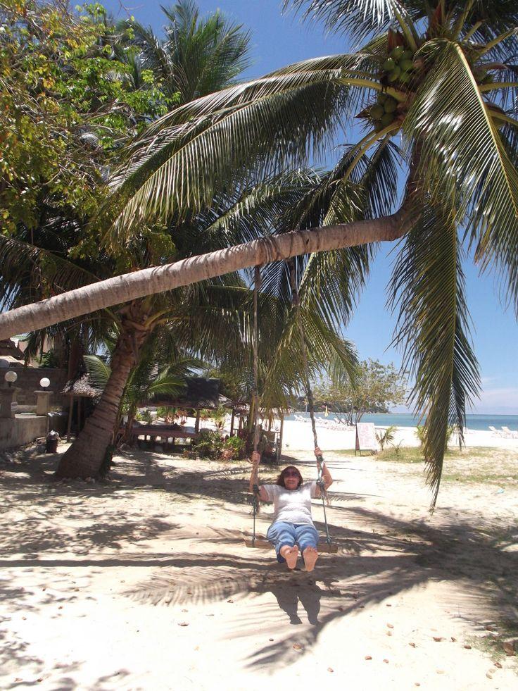 Весь год мы думали, куда поехать отдыхать летом, в приоритете были страны Азии. Отдых на Самуи оказался идеальным вариантом. Далеко не все курорты Тайланда летом пригодны для отпуска: где-то идут проливные дожди, а где-то штормит.