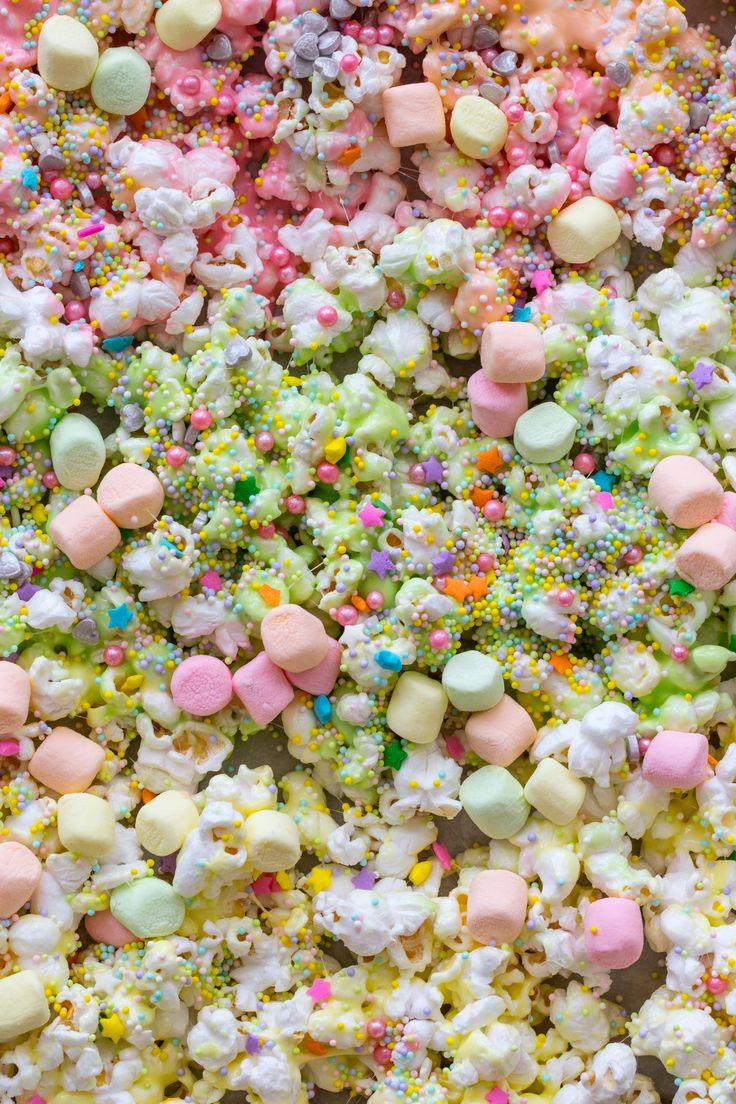 Unicorn Marshmallow Popcorn with @campfiremallows Fruitswirlers #ad