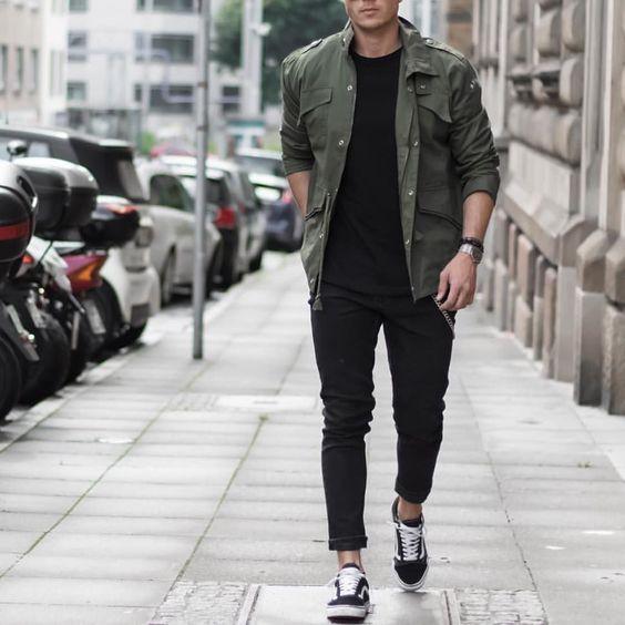 Jaqueta Verde Militar. Macho Moda - Blog de Moda Masculina: Jaqueta Verde Militar Masculina: Pra Inspirar e Onde Encontrar. Moda Masculina, Roupa de Homem, Inverno Masculino 2017, Jaqueta masculina. Jaqueta Militar, All Black, Vans Old Skool