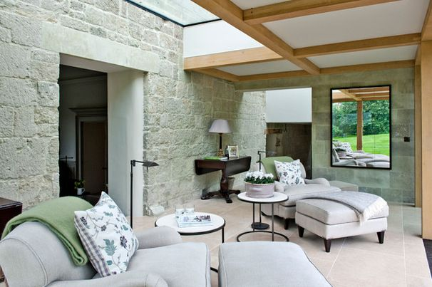 Gorgeous English home !  Farmhouse Sunroom by bla architects