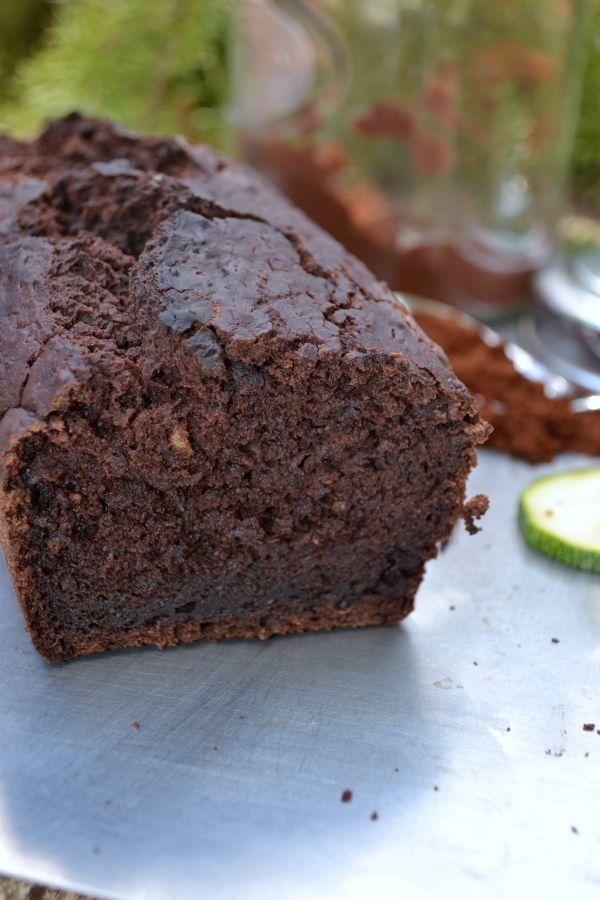 Après le carotte cake, tentez le courgette cake! Moelleux, léger, facile à réaliser, sans gluten, sans lactose.