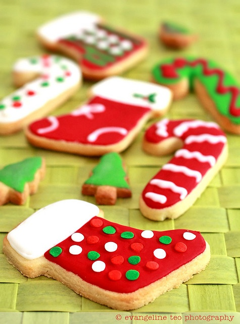 Festively hued, totally fun Frosted Christmas Cookies. #cookies #Christmas #decorated #baking #food #dessert #red #green