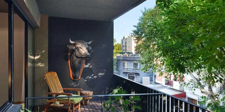 El Salvador I  ( Buenos Aires, Argentina )  The apartment affords easy access to the local art galleries, trattorias and corner cafés.