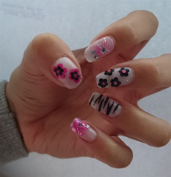 1000+ Images About Flower Nail Art On Pinterest