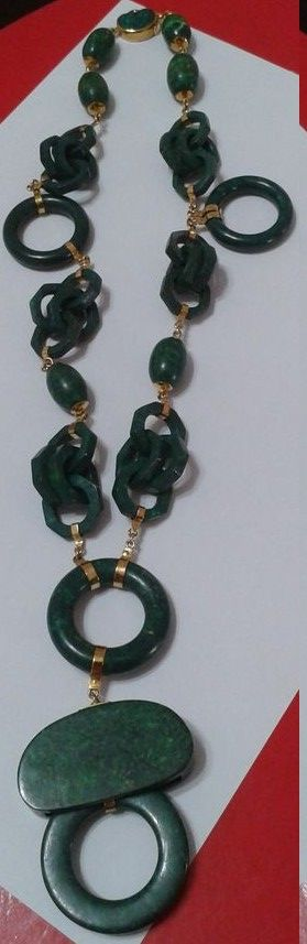 D1 - A beautiful US famous designer necklace in deep green  to match fashionable clothings  original value S$ 2200 - Sold