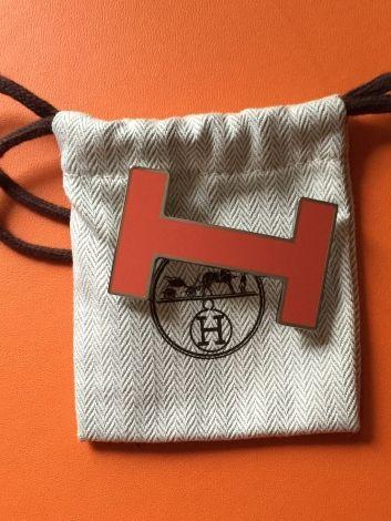 Je viens de mettre en vente cet article  : Ceinture large Hermès 180,00 € http://www.videdressing.com/ceintures-larges/hermes/p-3028825.html?utm_source=pinterest&utm_medium=pinterest_share&utm_campaign=FR_Femme_Accessoires_Ceintures_3028825_pinterest_share