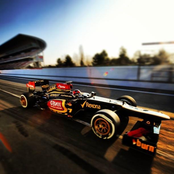 Raikkonen quietly confident as Lotus' car behaves at Australian #F1 Grand Prix in Melbourne this weekend. #Formula1 @OnlineF1