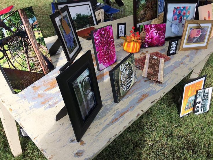First art booth team up with @gray_cee_arts!  #art #artgallery #artbooth #artshow #festival #smallartists #bluegrassfestival #bluegrass #fall #autumn #photography #paintings #sewing #crafts #exhibition #rustic #ObscureTheDinosaur  #DinosaurEndeavors