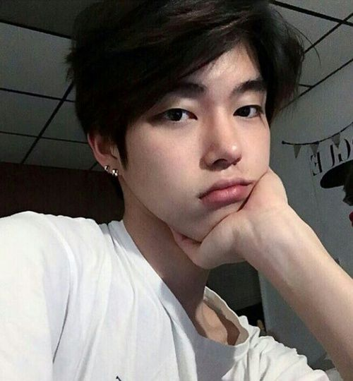 Best 25 ulzzang boy ideas on pinterest asian boys ulzzang bellinissima i honestly dont know who this is but if the face generates on voltagebd Gallery