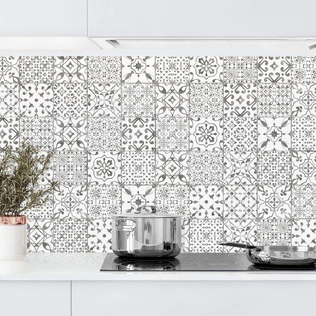 Kuchenruckwand Musterfliesen Grau Weiss Kuchenruckwandfolie Kuchenruckwand Fliesen Kuchen Ruckwand