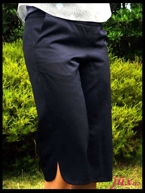 New workhorse - navy capri pants self-made pattern