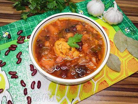 Борщ с черносливом, грибами и цветной капустой | Классные вегетарианские рецепты