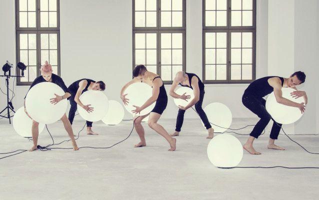Lampy w kształcie kuli | Design Blog Make It Home I bowl-shaped lamps Moon by nuno'ni