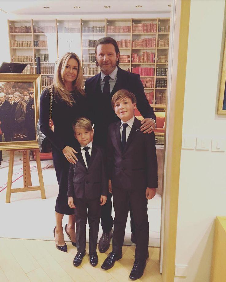 Staś Rozenek jest gospodarzem klasy. W związku z tym mój syn (a przy okazji cała nasza rodzina ) dostał dzisiaj zaproszenie do Ambasadora Francji. Co tu dużo mówić... Jestem bardzo dumna  #proudmom #invitation #greatsons