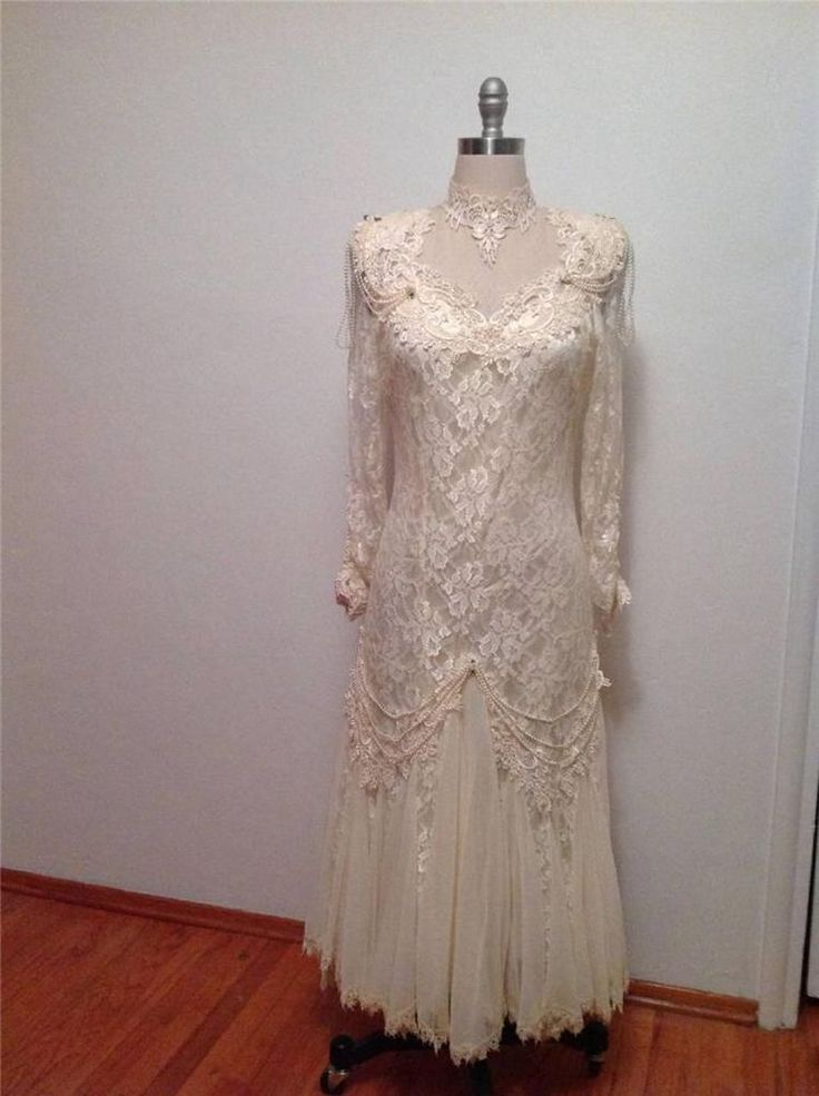 Jessica mcclintock victorian ivory lace of california tea for Ivory vintage lace wedding dress
