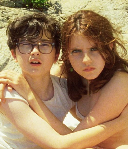 Moonrise Kingdom ( http://www.simplyhavefun.com/Uscire/Cinema/Moonrise-Kingdom-737 )