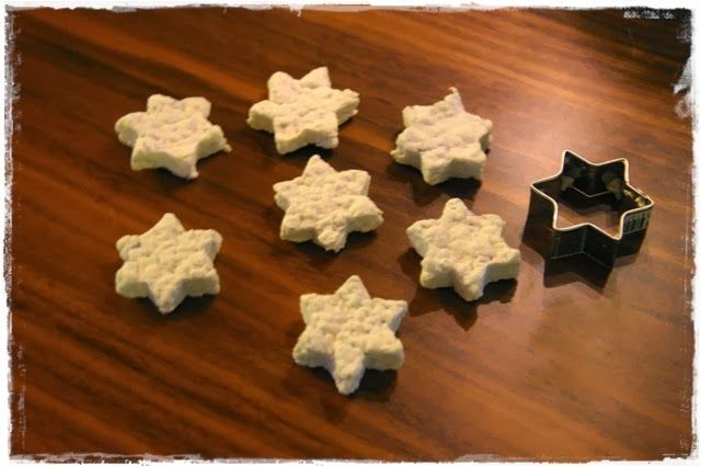Stars made from toilet roll mass