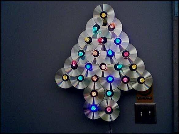 Árvore de Natal com CDs Usados