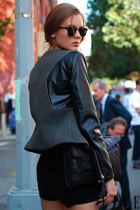 : All Black, Black Leather, Victoria Beckham, Kill It, Black On Black, Models Street Style, Leather Jackets, Sunglasses, Street Chic