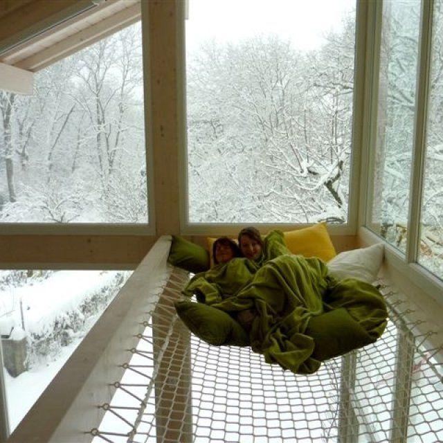 17 meilleures id es propos de lit trampoline sur pinterest lits hamacs et lit suspendu. Black Bedroom Furniture Sets. Home Design Ideas