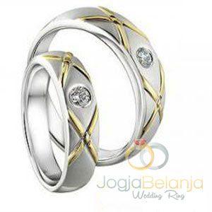 Hadir kembali yaitu Cincin Kawin Areebah terbuat dari bahan emas murni untuk cincin pasangan wanita sedangkan untuk cincin pasangan pria dibuat dengan bahan palladium. Memiliki desain cincin yang simple namun tetap elegan dengan ornamen berbentuk silang ditengah cincin yang di finishing mengkilap, sedangkan untuk permukaan lainya difinishing doff halus. Pada masing-masing permukaan cincin ditambah 1...